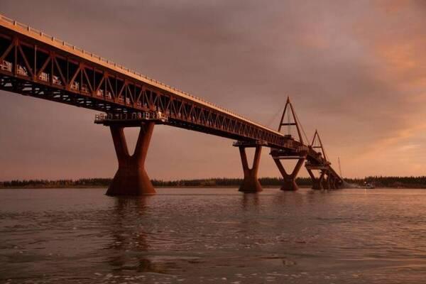 Deh Cho Bridge